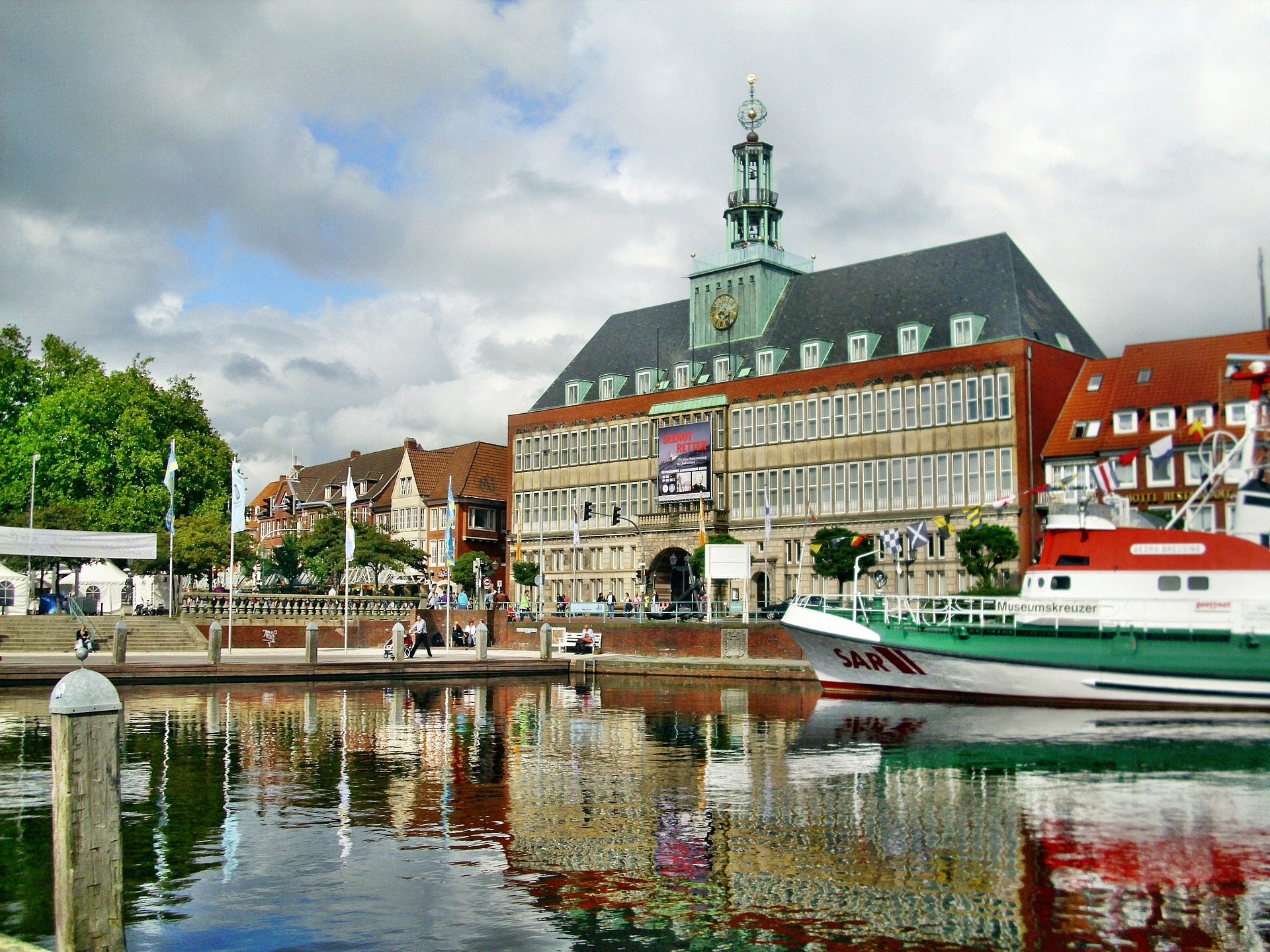 """""""Standort. E-Fahrzeug. Zukunft."""" Regionalkonferenz in Emden"""
